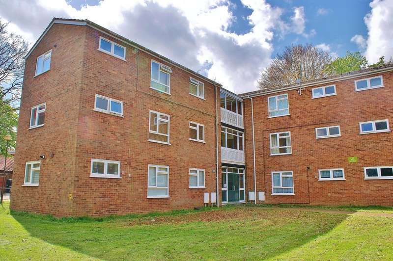 1 Bedroom Flat for sale in Dolphin Grove, Norwich