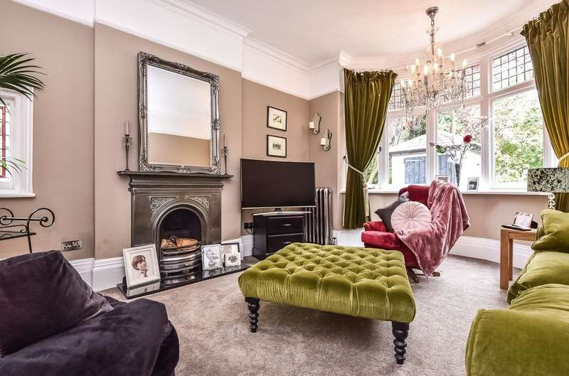 6 Bedrooms Detached House for sale in Warren Road Orpington BR6