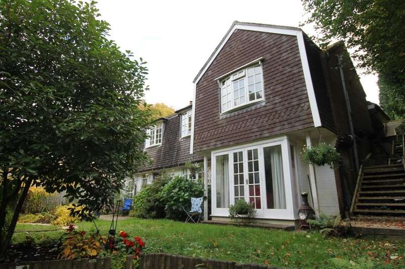 4 Bedrooms Detached House for sale in Old Well, Headley Down