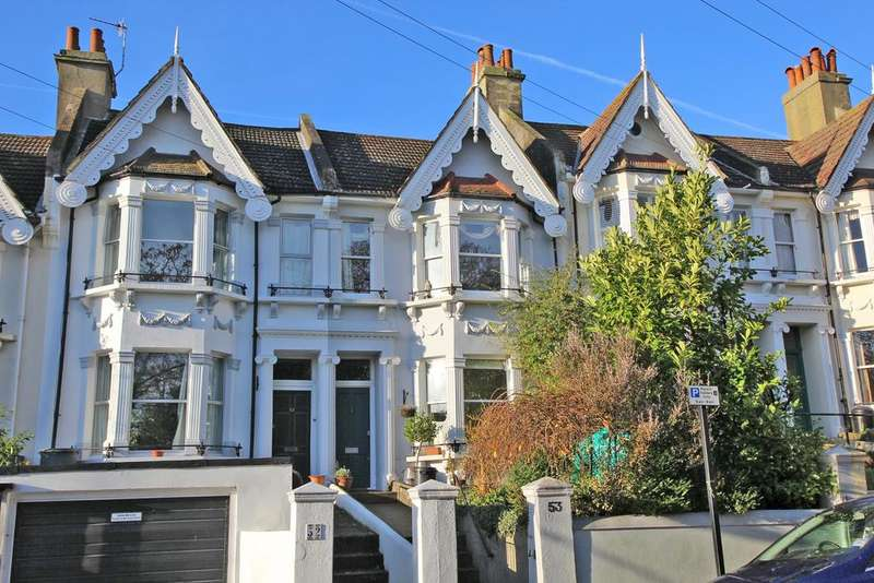 3 Bedrooms Terraced House for sale in Opposite Blakers Park, Brighton BN1