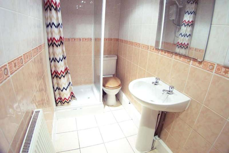 6 Bedrooms Terraced House for rent in Hessle Place,
