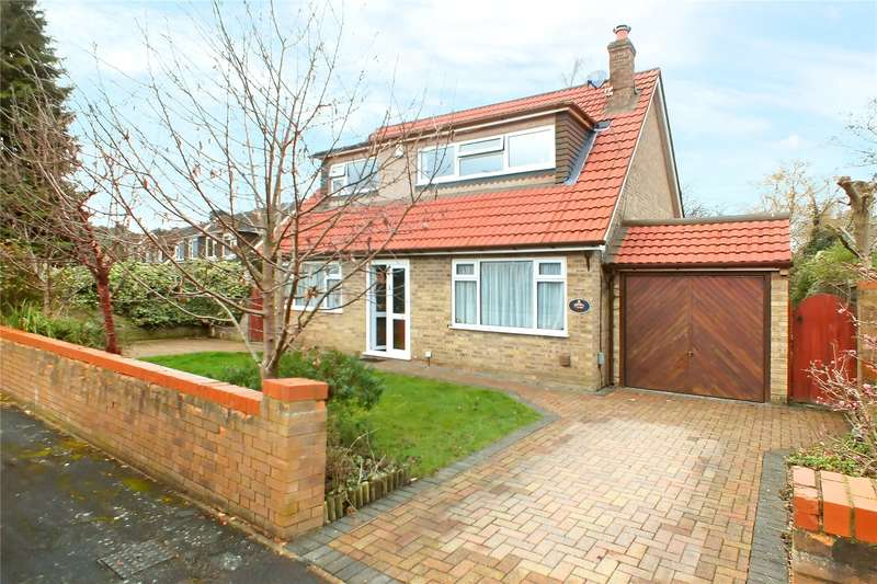 3 Bedrooms Detached House for sale in The Bourne, Fleet, GU52