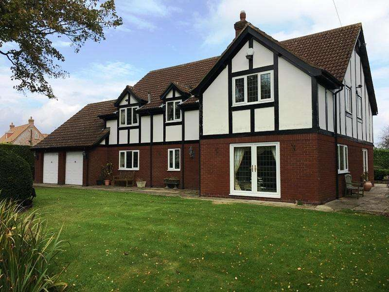 5 Bedrooms Detached House for sale in Main Street, Covenham St. Mary LN11