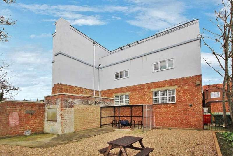2 Bedrooms Apartment Flat for sale in Broadwater Street West, Broadwater, Worthing, BN14