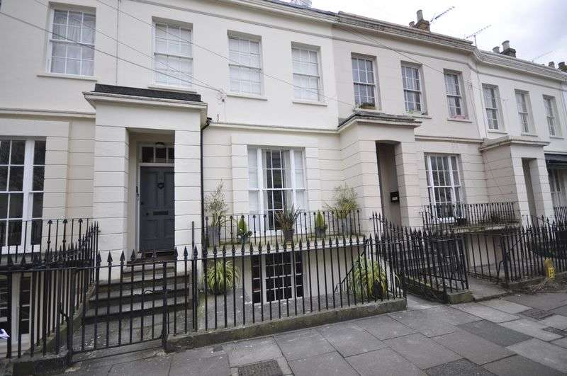 1 Bedroom Flat for sale in Grosvenor Place South, Cheltenham