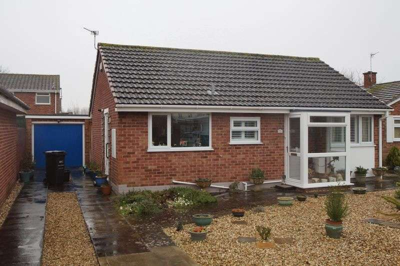 2 Bedrooms Detached Bungalow for sale in Broadhurst Gardens, Burnham-On-Sea