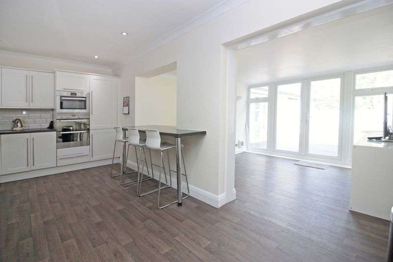 3 Bedrooms House for sale in Willingale Road, Loughton