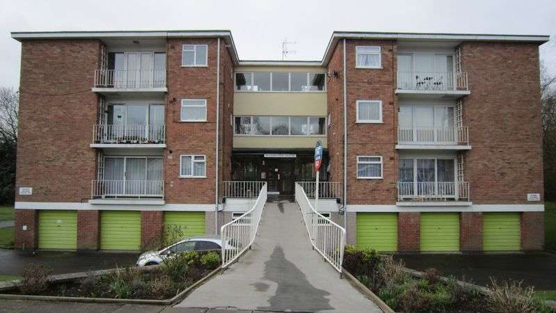 2 Bedrooms Flat for sale in Wiltshire Court, Nod Rise, Mount Nod