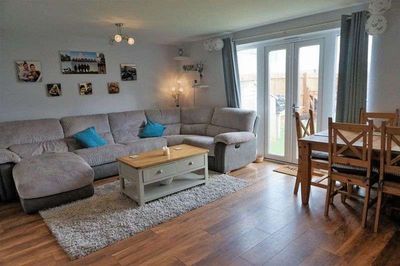 4 Bedrooms Semi Detached House for sale in Littledale Row, Newquay