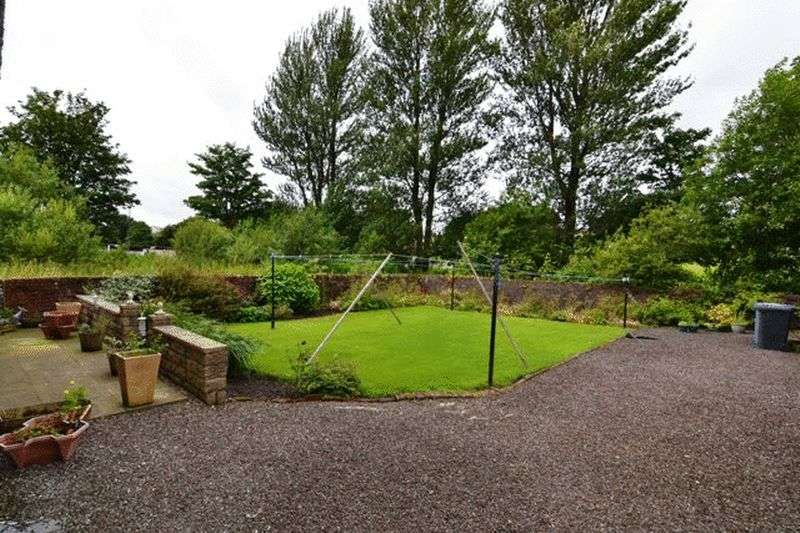 2 Bedrooms Flat for sale in NEW PICTURES Holmhead, Kilbirnie
