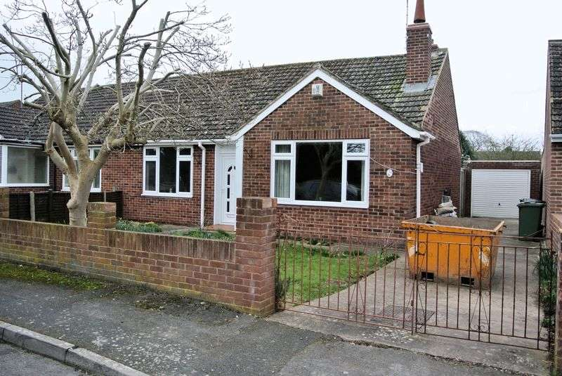 2 Bedrooms Semi Detached Bungalow for sale in Rivermead Close, Gloucester