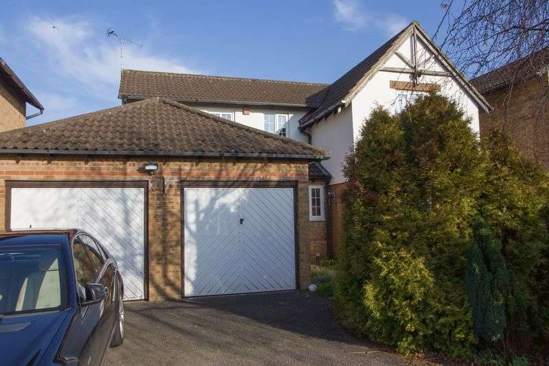 4 Bedrooms Detached House for sale in Brockhill Way, Penarth