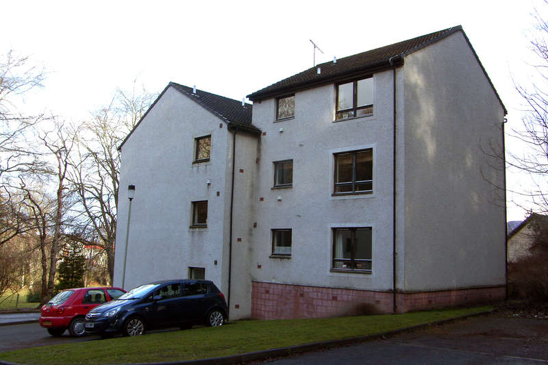 2 Bedrooms Apartment Flat for sale in Grampian Court, Aviemore, PH22 1TB