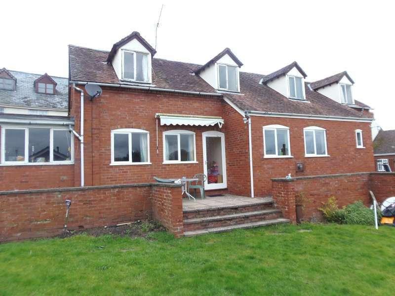 3 Bedrooms Detached House for sale in The Stepps, 10 Sherford Street, BROMYARD HR7 4DL