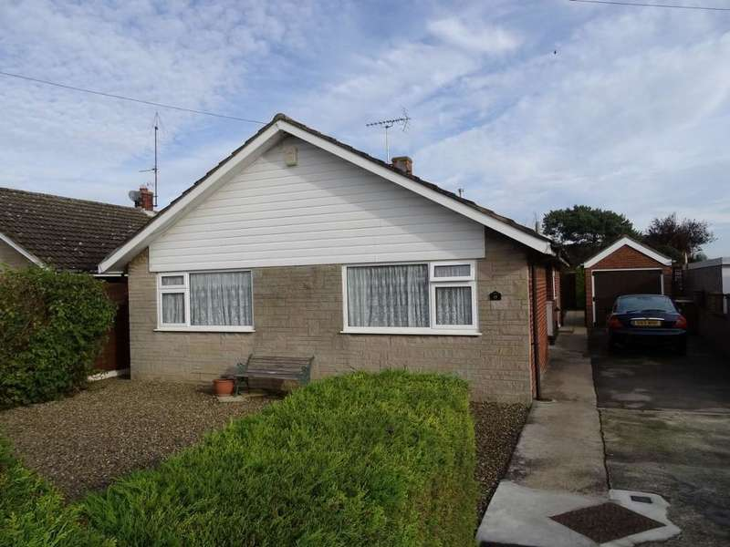 3 Bedrooms Detached Bungalow for sale in 13 Chestnut Grove, Norton, YO17 9BZ