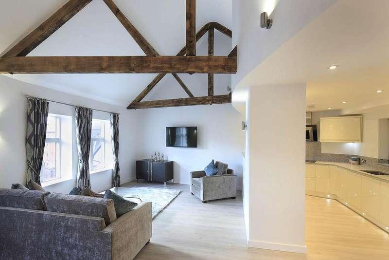 2 Bedrooms Penthouse Flat for rent in Castle Point, 8 Castle Boulevard, The Park, Nottingham NG7