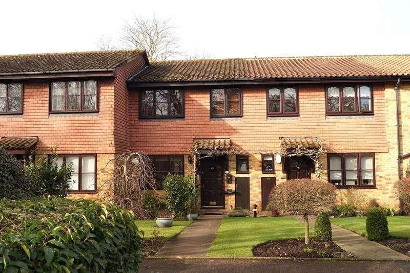 3 Bedrooms Terraced House for sale in Oatlands Green, Weybridge KT13