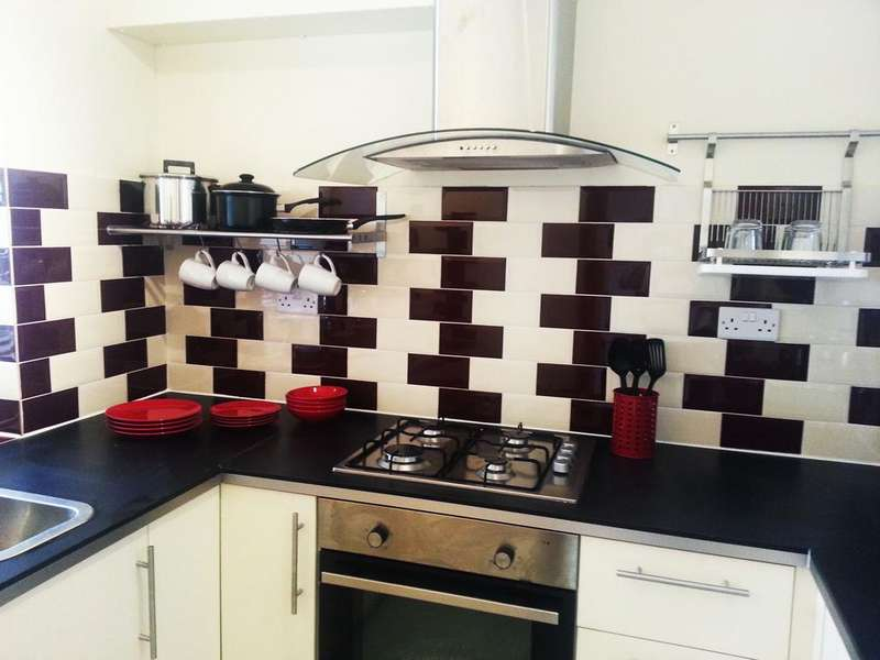 3 Bedrooms Flat for sale in Hargrave House, Australia Road, shepherds Bush w12