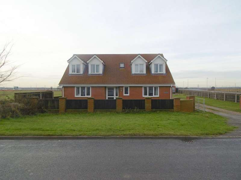 5 Bedrooms Detached House for sale in Top Road, Killingholme dn40