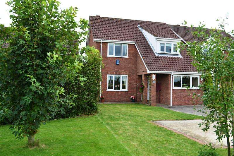 4 Bedrooms Detached House for sale in Bradley Road, Waltham DN37