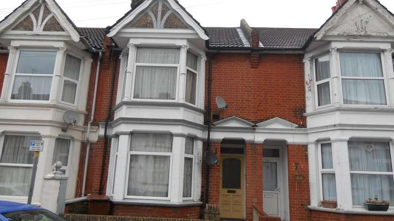 2 Bedrooms Block Of Apartments Flat for sale in Linden Road, Gillingham ME7