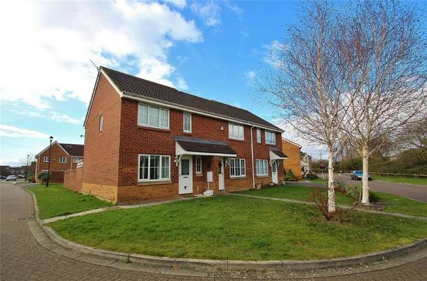 3 Bedrooms Semi Detached House for sale in Peartree Field, Portishead, North Somerset