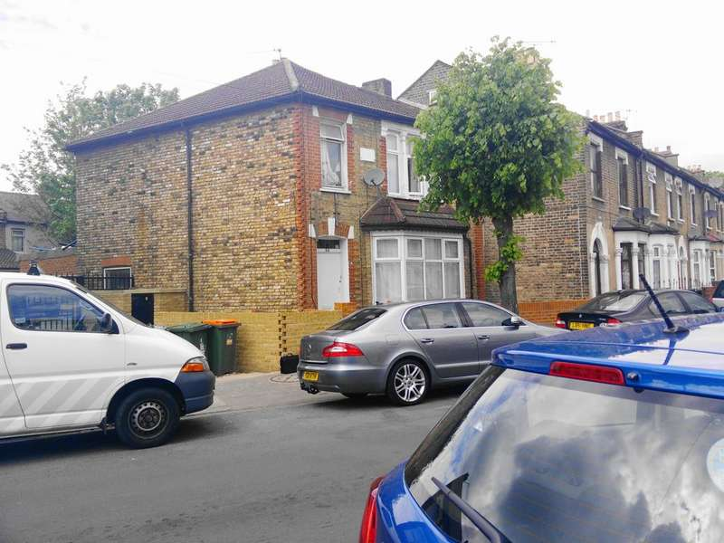 3 Bedrooms End Of Terrace House for sale in The Little Ilford Village, Little Ilford Lane, Manor Park E12