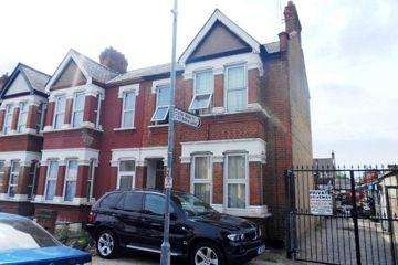 2 Bedrooms Maisonette Flat for sale in IG1