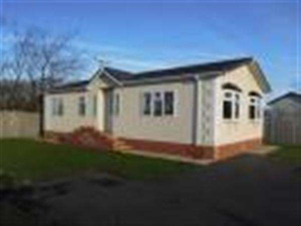 2 Bedrooms Detached House for sale in Links View, Park Lane, Meols