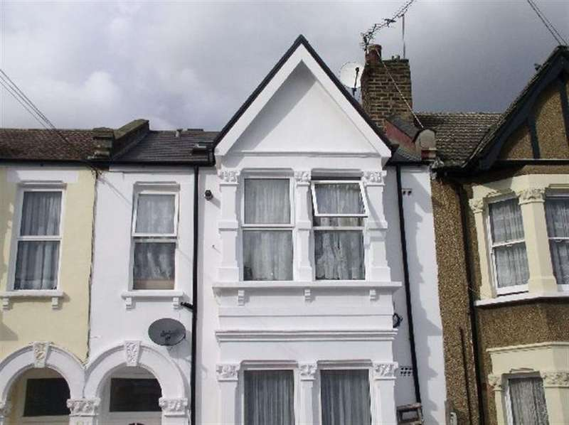 3 Bedrooms Apartment Flat for sale in Fortune Gate Road, London