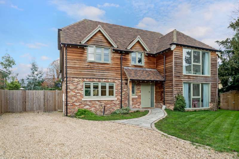 4 Bedrooms Detached House for sale in Station Road, Wraysbury, TW19