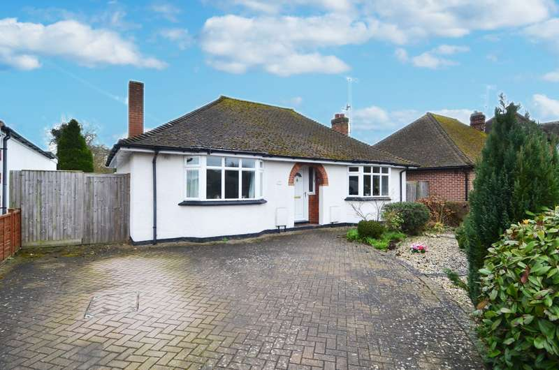 2 Bedrooms Detached Bungalow for sale in Hedley Road, Flackwell Heath, HP10