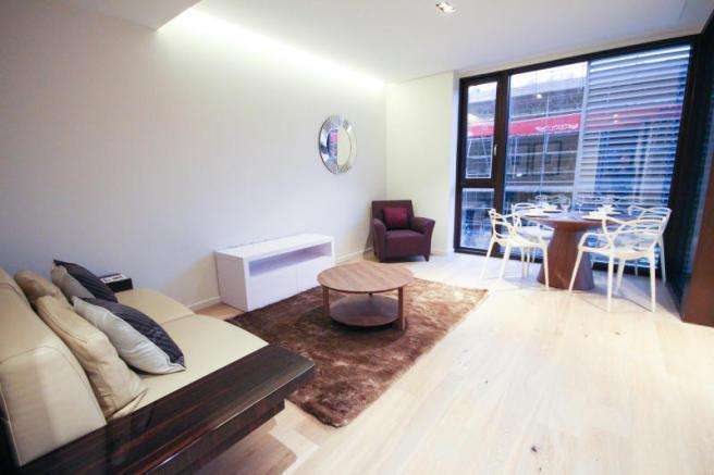 3 Bedrooms Apartment Flat for sale in Devan Grove, London N4