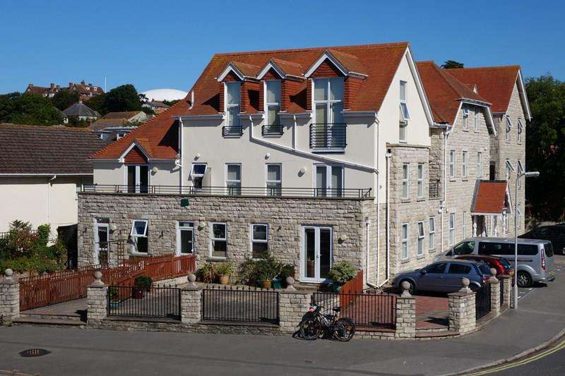 2 Bedrooms Flat for sale in Northbrook Road, Swanage