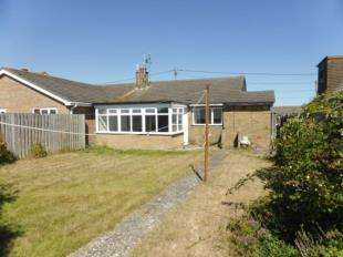 3 Bedrooms Bungalow for sale in Pleasance Road North, Lydd On Sea, Romney Marsh