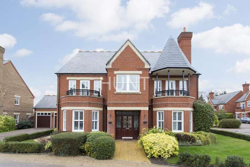 6 Bedrooms Detached House for sale in Clarence Gate, Repton Park, Woodford Green, Essex IG8