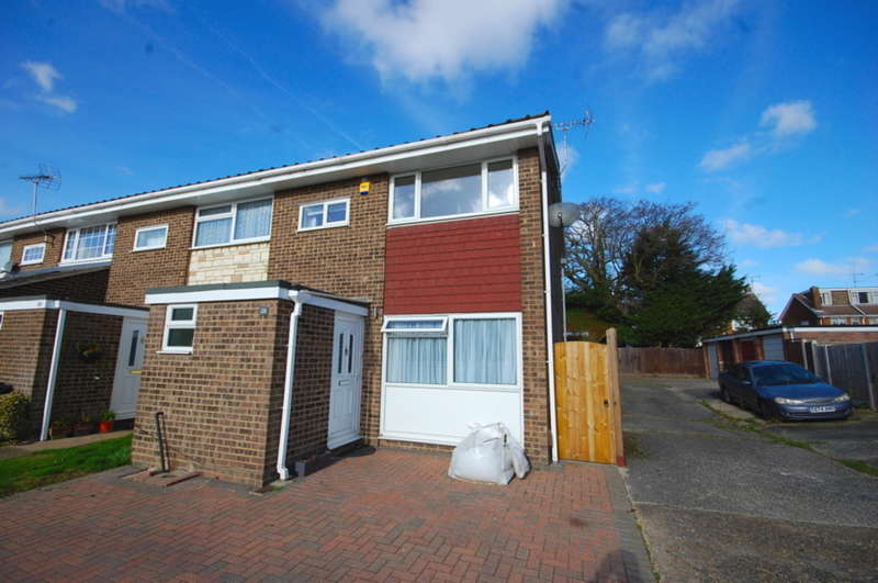 3 Bedrooms End Of Terrace House for sale in Great Cob, Springfield, Chelmsford, CM1