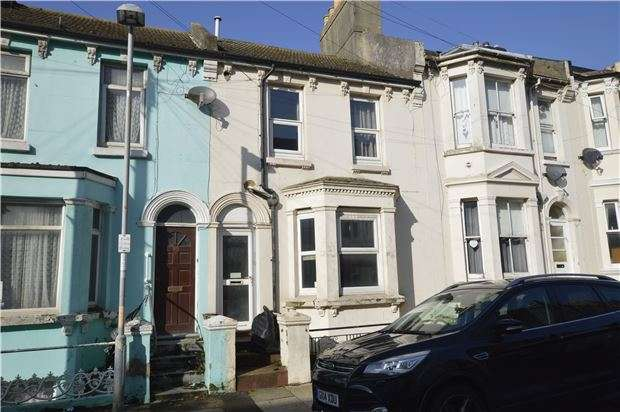 3 Bedrooms Terraced House for sale in Manor Road, HASTINGS, East Sussex, TN34 3LP