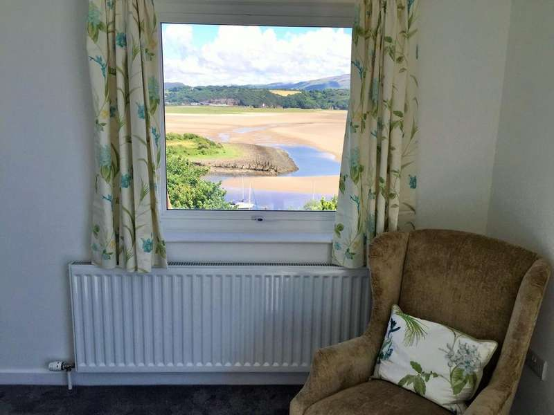 4 Bedrooms Detached House for sale in Borth y Gest, Borth y Gest LL49