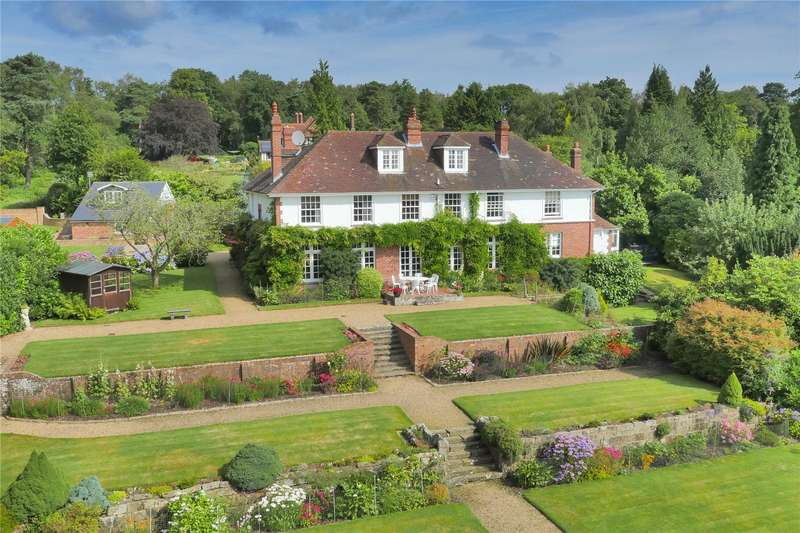 5 Bedrooms Detached House for sale in Sweethaws Lane, Crowborough, East Sussex, TN6