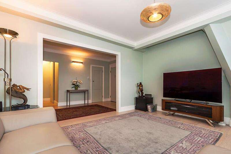 4 Bedrooms Flat for sale in Chatsworth Court, Pembroke Road, London