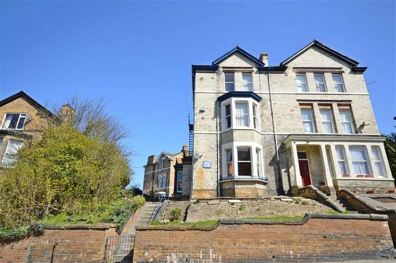 1 Bedroom Flat for sale in Westbourne Grove, Scarborough