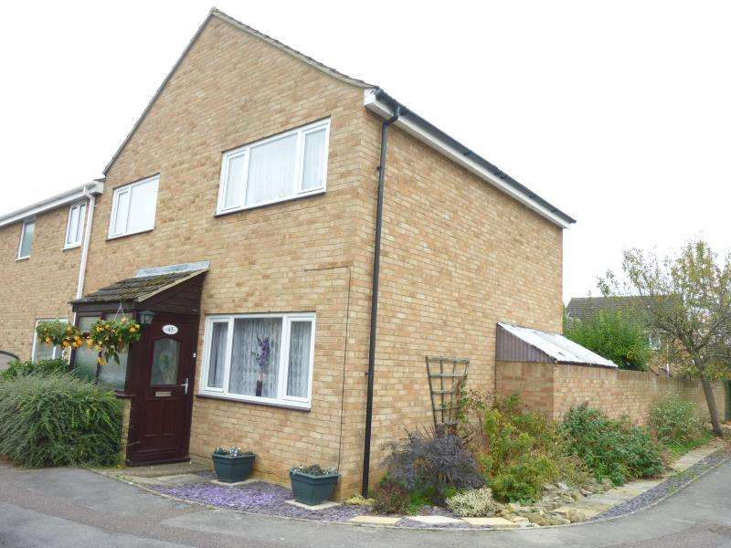 3 Bedrooms End Of Terrace House for sale in Pampas Close, Carterton, Oxon