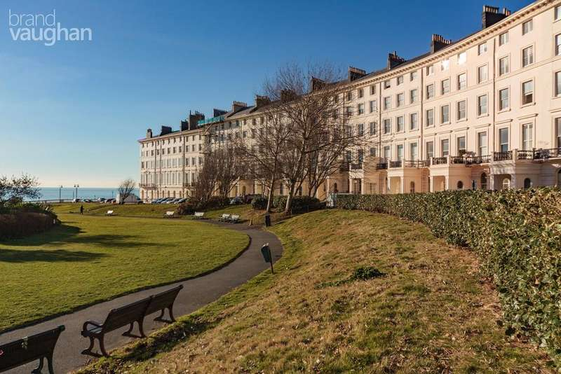 2 Bedrooms Apartment Flat for sale in Adelaide Crescent, Hove, BN3