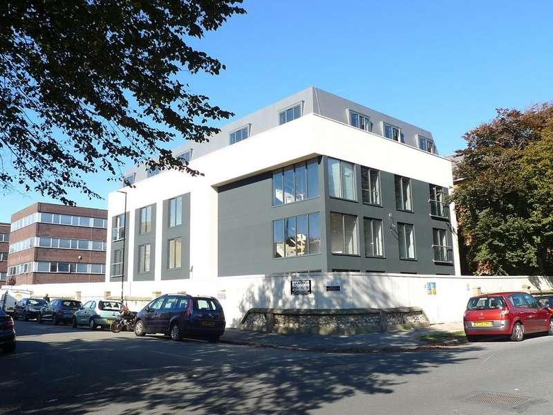 2 Bedrooms Apartment Flat for sale in St Leonards Road, Eastbourne, BN21