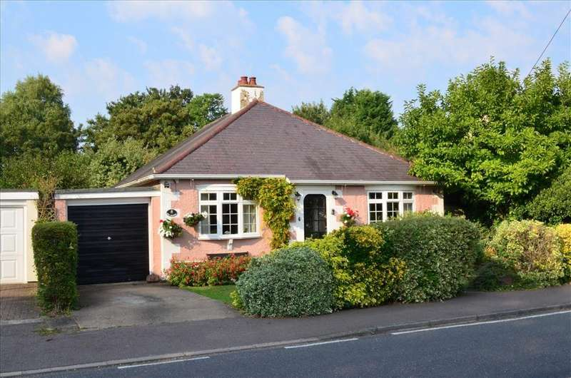 3 Bedrooms Detached Bungalow for sale in Meldreth Road, WHADDON, Royston, SG8