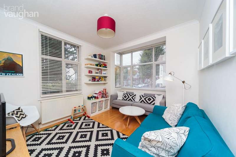 3 Bedrooms Flat for sale in Lyndhurst Road, Hove, bn3