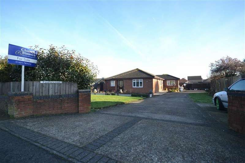 3 Bedrooms Bungalow for sale in Summerhill, Althorne, Essex