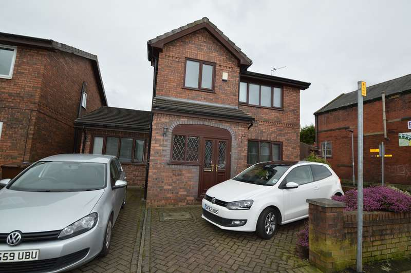 4 Bedrooms Detached House for sale in Parr Lane, Unsworth, Bury, BL9