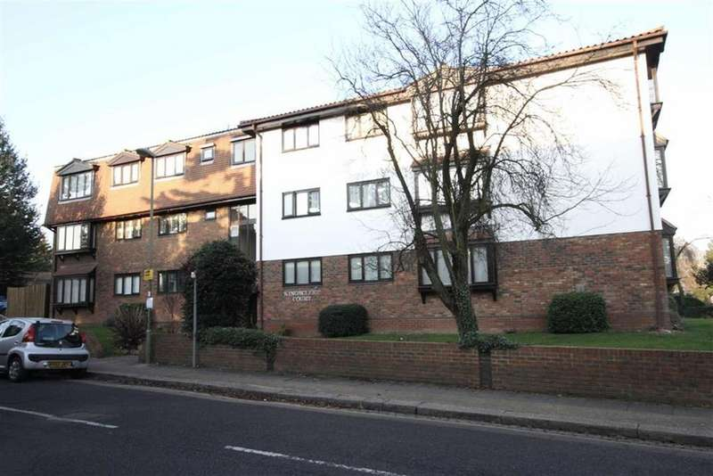 3 Bedrooms Apartment Flat for sale in Gloucester Road, New Barnet, Herts, EN5
